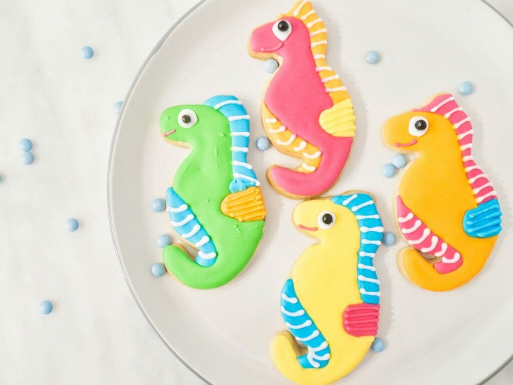 Delicious Seahorse Cookies Tutorial Icing Tips Into The Cookie Jar