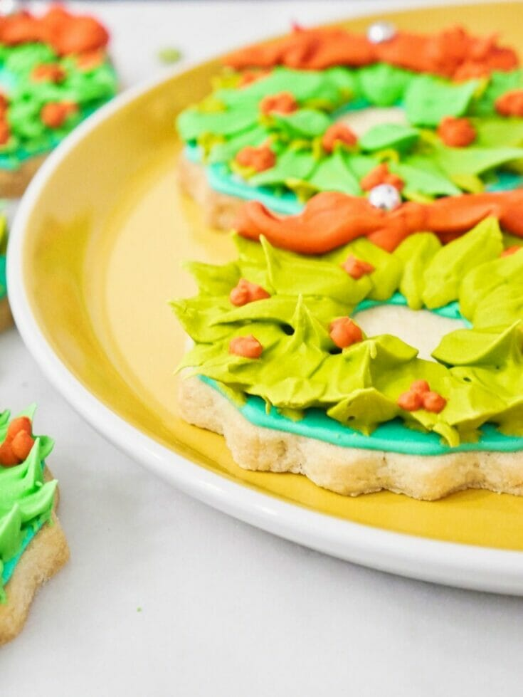 Decorated Christmas Wreath Cookies