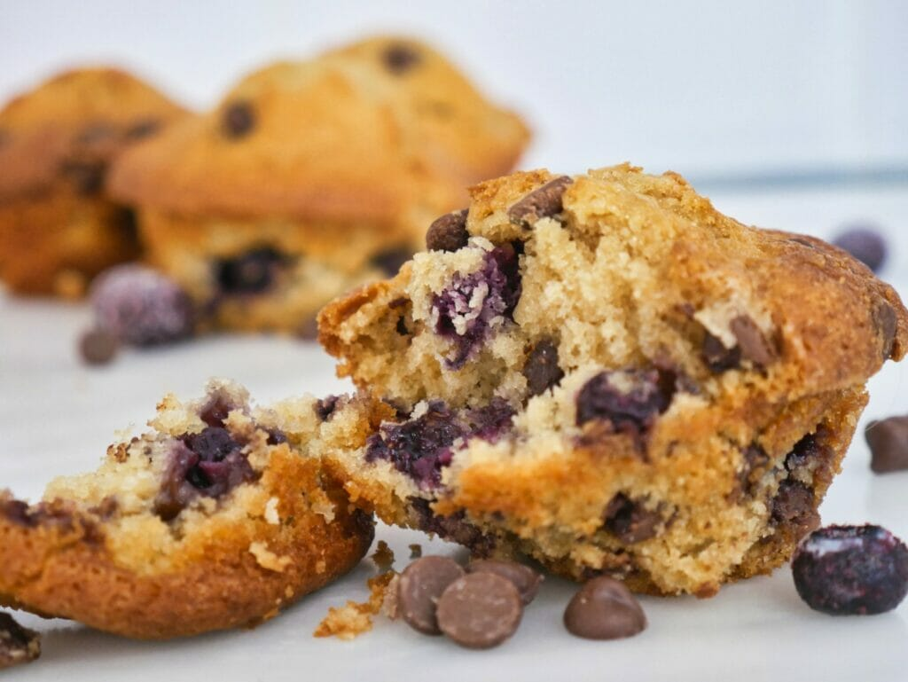 blueberry-chocolate-chip-muffins