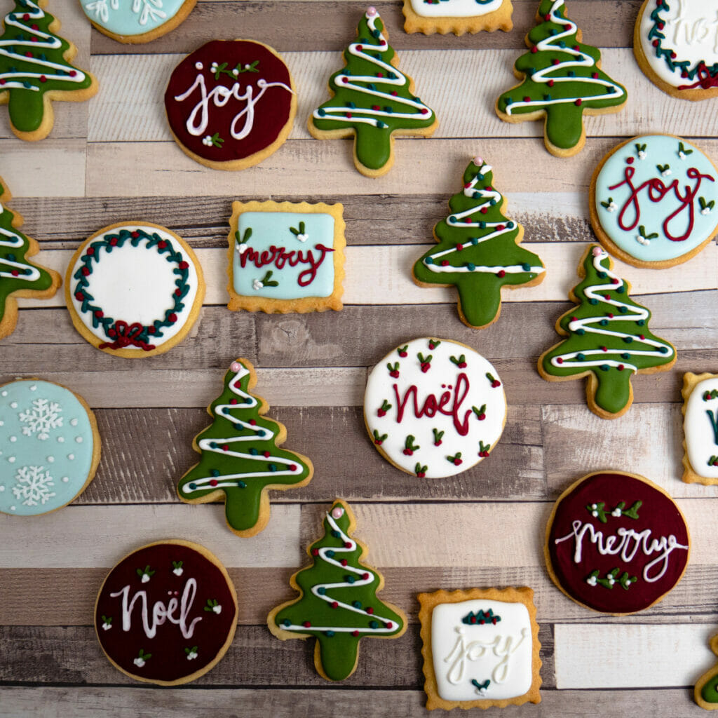 christmas cookies that are frosted